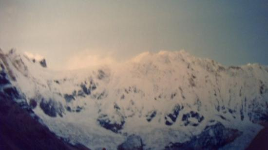 Annapurna Region, เนปาล: Annapurna on a crap camera!