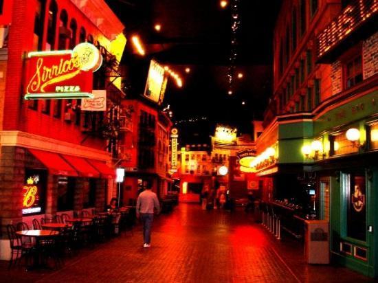นิวยอร์ก-นิวยอร์กโฮเต็ล แอนด์ คาสิโน: Vegas - New York New York
