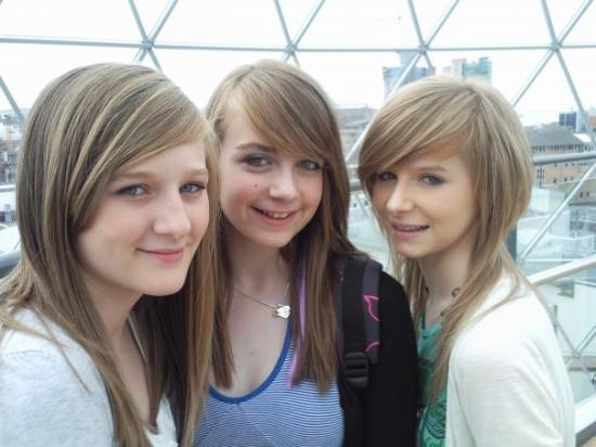 เบลฟาสต์, UK: Amy, Taryn, Alex Town :) '09