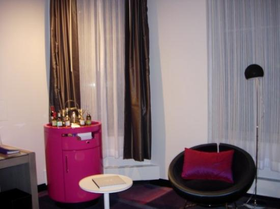W Minneapolis - The Foshay: W Minneapolis, The Foshay - Guest Room