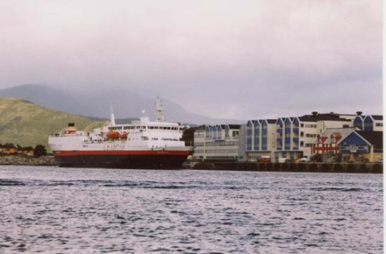 บรอนนอยซุนด์, นอร์เวย์: Port in Brønnøysund