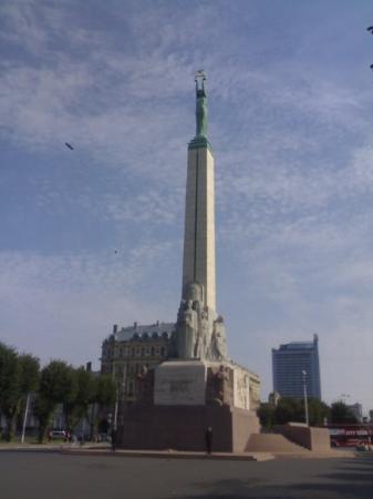 ริกา, ลัตเวีย: Riga - monumento alla libertà