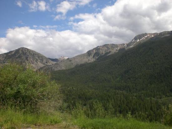 แอสเปน, โคโลราโด: Surrounding area outside of Aspen, CO. Sooooo nice!!