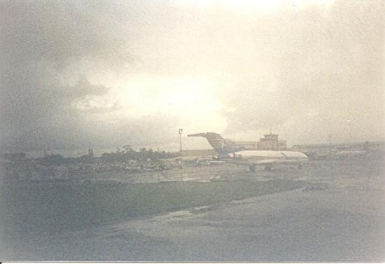 พอร์ตออฟสเปน, ตรินิแดด: At Port of Spain Airport in Trinidad and Tobago, only to put gas in airplane (50min) I flew Curi