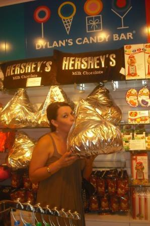 Dylan's Candy Bar: now that's a hershey's kiss....