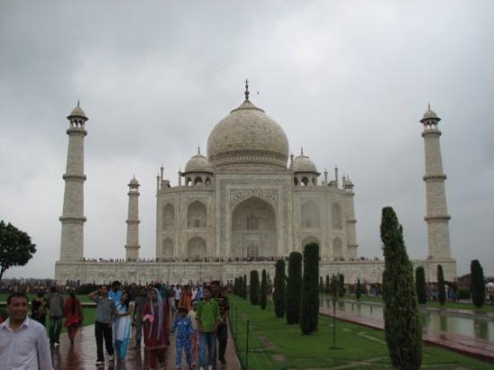 ทัชมาฮาล: The mighty Taj Mahal