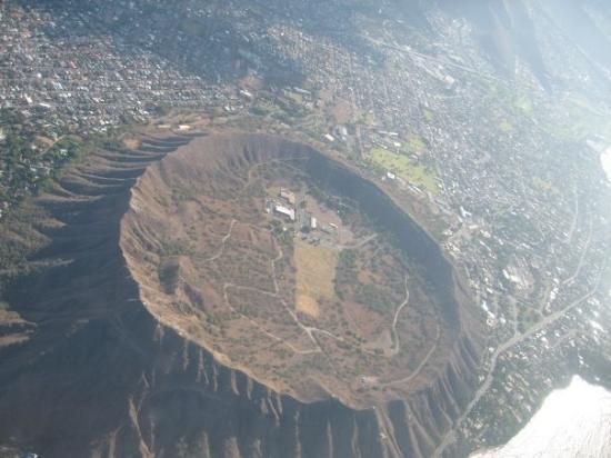 ไดมอนด์เฮด: Aerial shot of Diamond Head