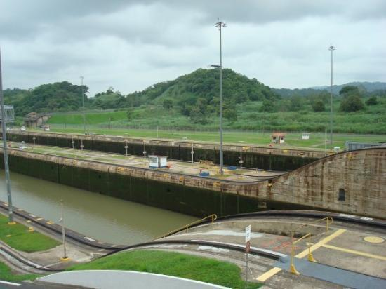 Miraflores Visitor Center: Panama Canal