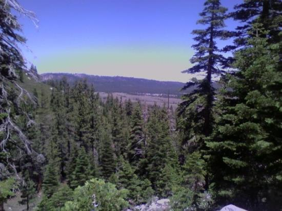 Mammoth Lakes, Kalifornien: Sweeping vista on 2 hour up hill hike to Sherwin Lake.