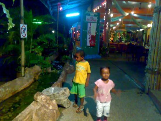พูลอปีนัง, มาเลเซีย: Resturant - Bukit Merah Resort