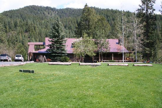 Red Horse Mountain Ranch: This is the main lodge