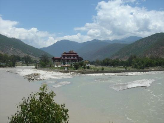 view of the punakha dzong, the most beautiful one of all the ones i saw. it dates back to 1637,