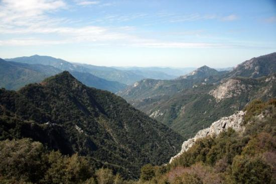 Sequoia and Kings Canyon National Park, แคลิฟอร์เนีย: Three Rivers, California Sequoia National Park