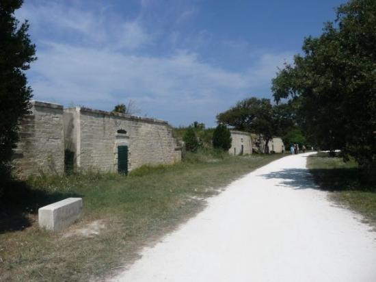 Ile d'Aix, ฝรั่งเศส: des batteries: fortifications avec canons
