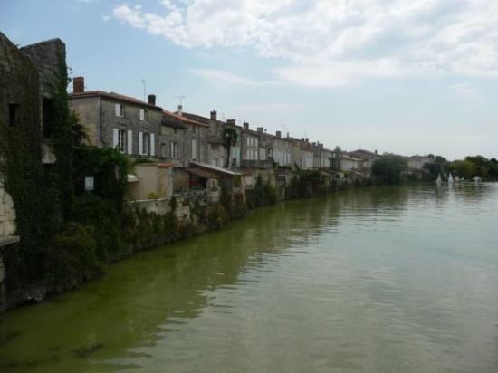 Saint-Savinien ภาพถ่าย