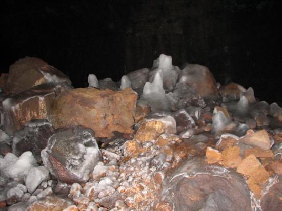 ไอดาโฮฟอลส์, ไอดาโฮ: Shoshone Ice Caves - Idaho