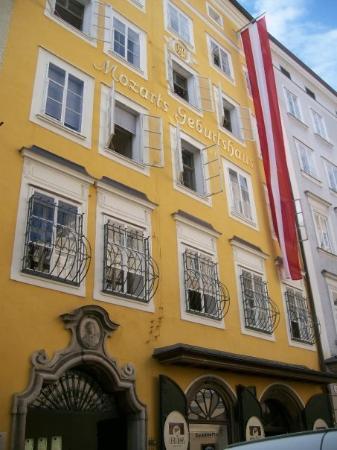 ซาลซ์บูร์ก, ออสเตรีย: Mozarts Geburtshaus in Salzburg