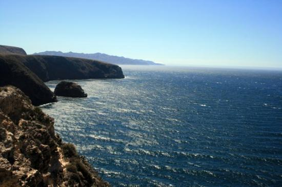 Channel Islands National Park, แคลิฟอร์เนีย: Channel Islands, California Santa Cruz Cavern Point View