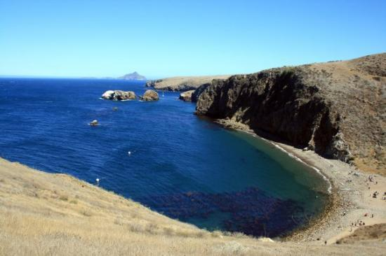Channel Islands National Park, แคลิฟอร์เนีย: Channel Islands, California Santa Cruz Cavern Point Hiking Trail View