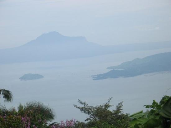 Tagaytay, ฟิลิปปินส์: Maryridge Monistary Tagatay view