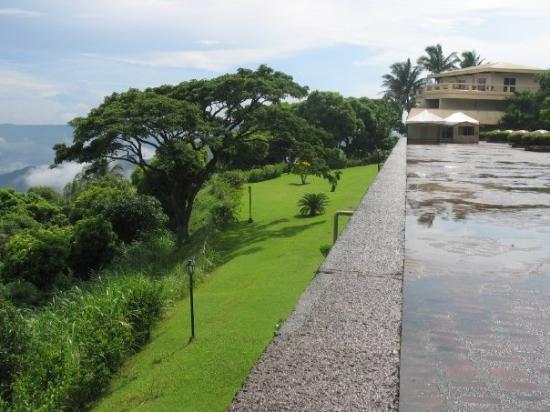 Tagaytay, ฟิลิปปินส์: Tagatay view of valcano from Hotel