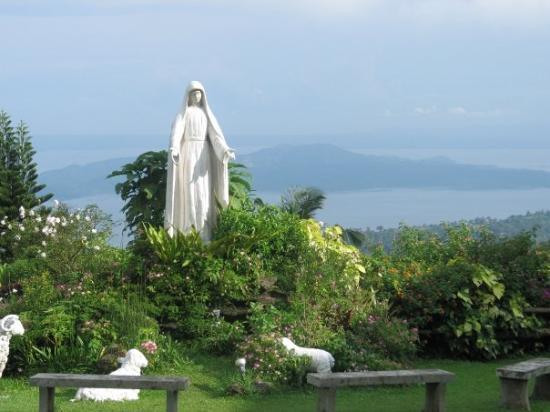 Tagaytay, ฟิลิปปินส์: Maryridge statue