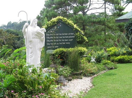 Tagaytay, Filippine: Maryridge Monistary Tagatay (Read the poem)