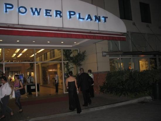 มะนิลา, ฟิลิปปินส์: The Power Plant Mall.  Manila converted the old power plant into a new mall and shopping center