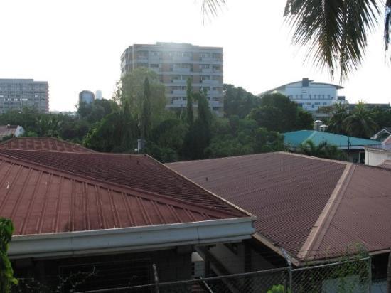 มะนิลา, ฟิลิปปินส์: The view from my room (roof tops)