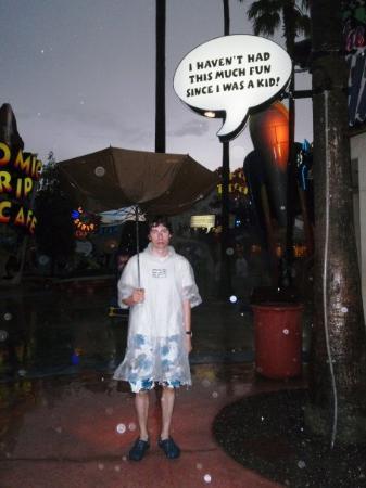 ยูนิเวอร์ซัลส์ ไอส์แลนด์ ออฟ แอดเวนเจอร์: It rained a lot while we were on vacation. This picture kind of illustrates how we felt when it