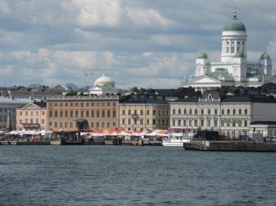 เฮลซิงกิ, ฟินแลนด์: Helsinki, Finnland Skyline