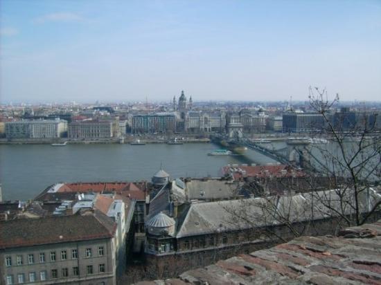 สะพานโซ่: Aussicht auf die Kettenbrücke