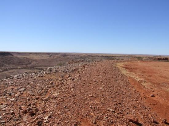 on the road east of Birdsville to Boulia