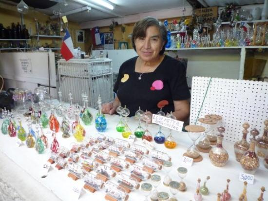 ซันเตียโก, ชิลี: bought glass artworks from her