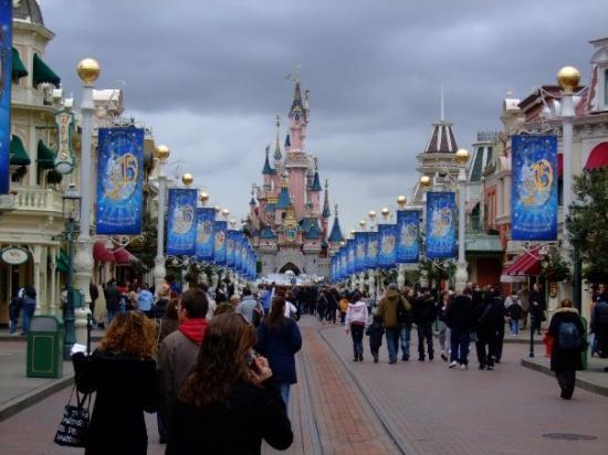 ดิสนีย์แลนด์ ปาร์ค: Paris - Disneyland