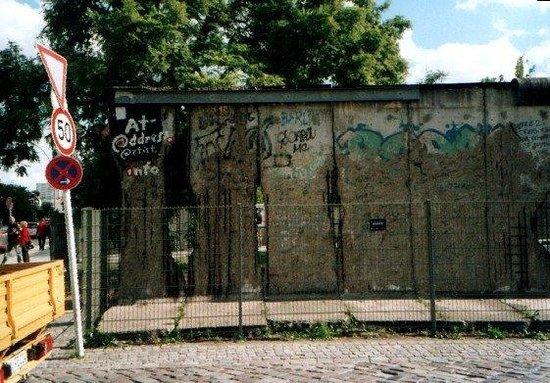 อนุสรณ์สถานกำแพงเบอร์ลิน: Berlino - Il Muro (2)