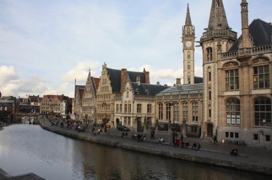 กราสเลและโคเรนไล: Graslei, Ghent, Belgium