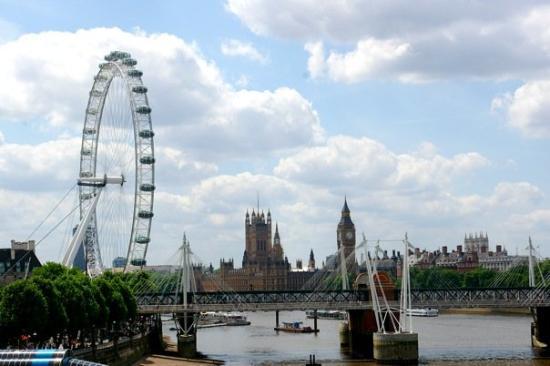 Thames River: The London Eye, Parliament, Big Ben...Some definite biggies