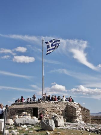 อะโครโปลิส: Greek flag. Akropolis in Athens