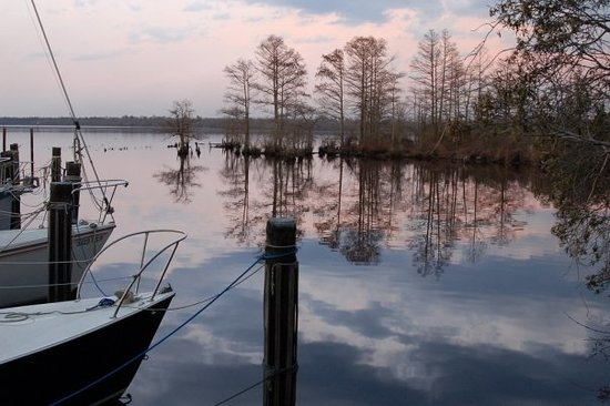 Elizabeth City, Caroline du Nord : The beautiful Pasquotank River