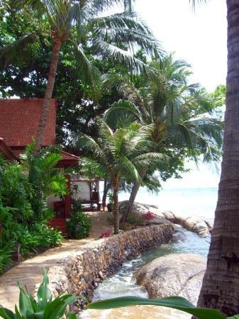ร็อคกี้ บูติค รีสอร์ท: Rocky's ligger precis vid kusten bland vackra klippor och en fin privat strand.