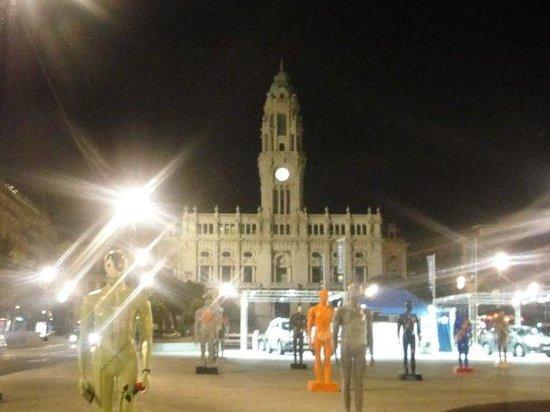 โปร์ตู, โปรตุเกส: City Hall y exposición del momento