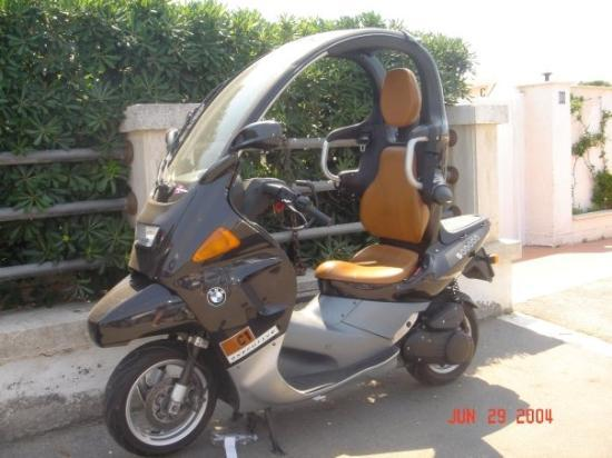Lido di Ostia, อิตาลี: My next mode of transportation, a BMW Motorcycle, well equipped for rainy season!