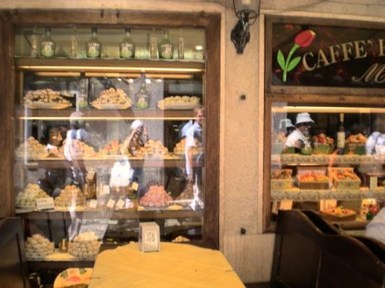 เอไรซ์, อิตาลี: кофетерий