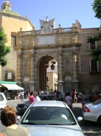 ворота в Marsala
