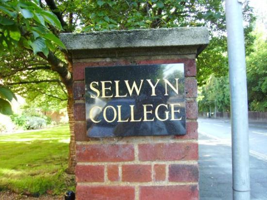 เคมบริดจ์, UK: welcome to the Selwyn College..this is where I spent 4 weeks to study all about English Law. Sta