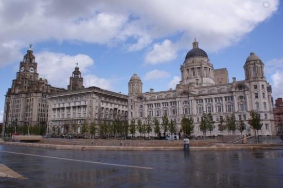 ลิเวอร์พูล, UK: Liverpool's Three Graces (The Royal Liver building, Cunard building and the Port of Liverpool bu