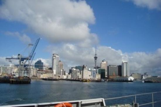 โอกแลนด์เซ็นทรัล, นิวซีแลนด์: Leaving Auckland for Waiheke Island.