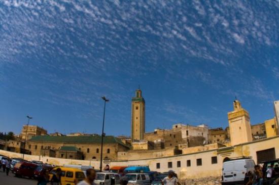 เมดินาแห่งเฟซ: Près de la vieille Médine - Fès (Médine = ville en arabe)