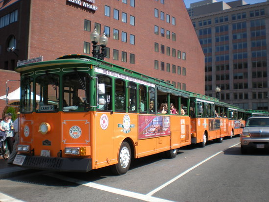 Old Town Trolley Tours: old town trolley stop